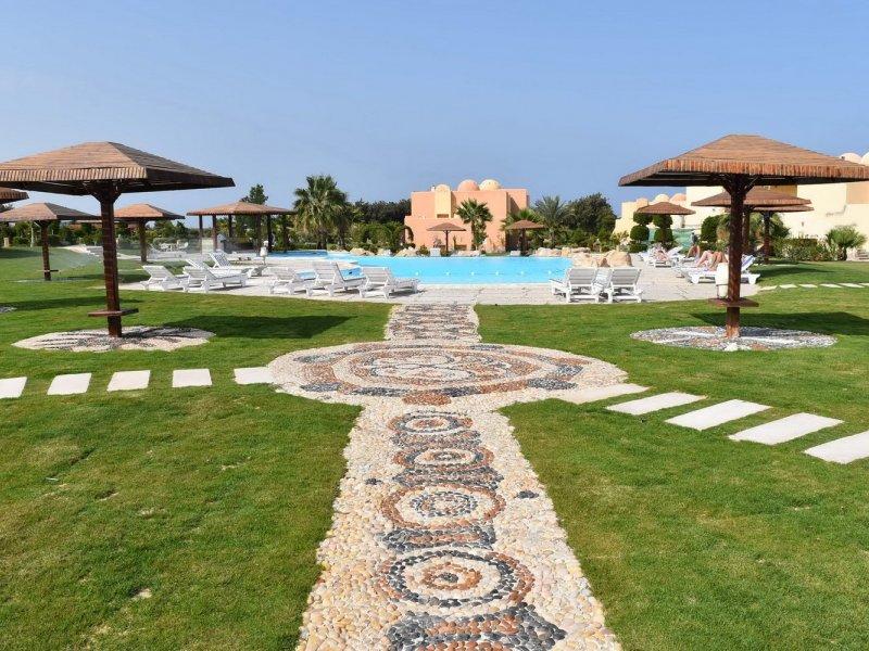 Wadi Lahmy Azur Resort - 2 Popup navigation